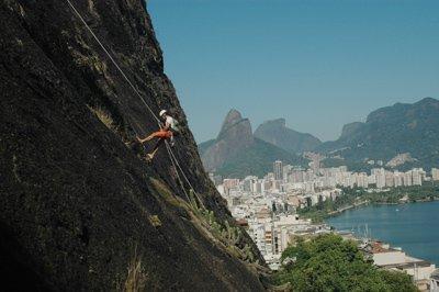 bm-climbing-in-rio-de-janeiro-21