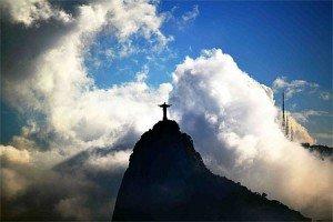 Corcovado dans les nuages. Photo de Alexandre Jouatel