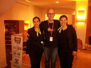 Alexandre de l'équipe du Festival branché avec Gabriela et Caroline de l'équipe Western Union
