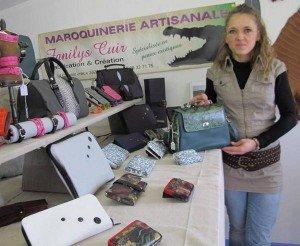 fanilys cuir Fabienne Chabot dans son atelier